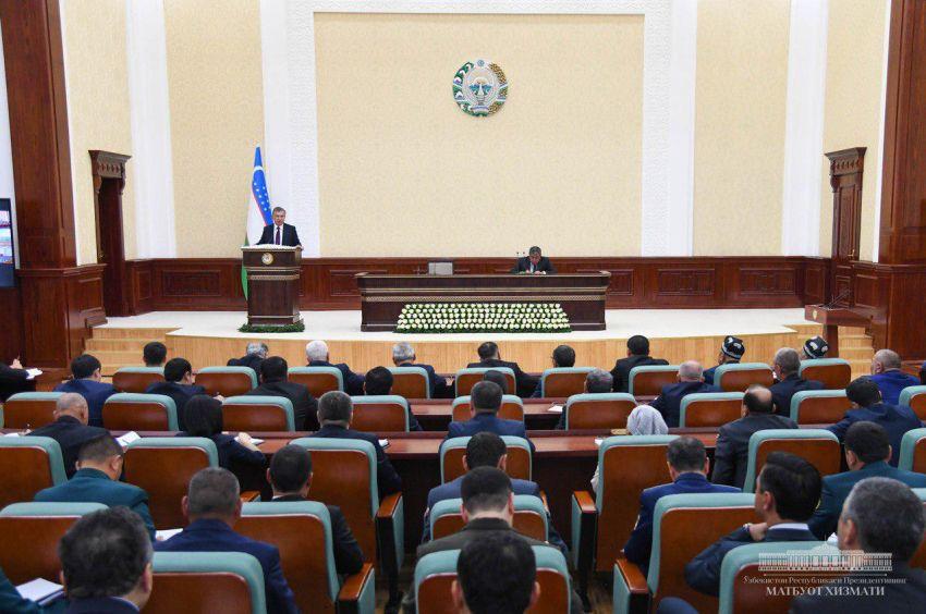 """""""Когда люди пробудятся, наконец?"""": Мирзиёев раскритиковал органы исполнительной власти на местах"""