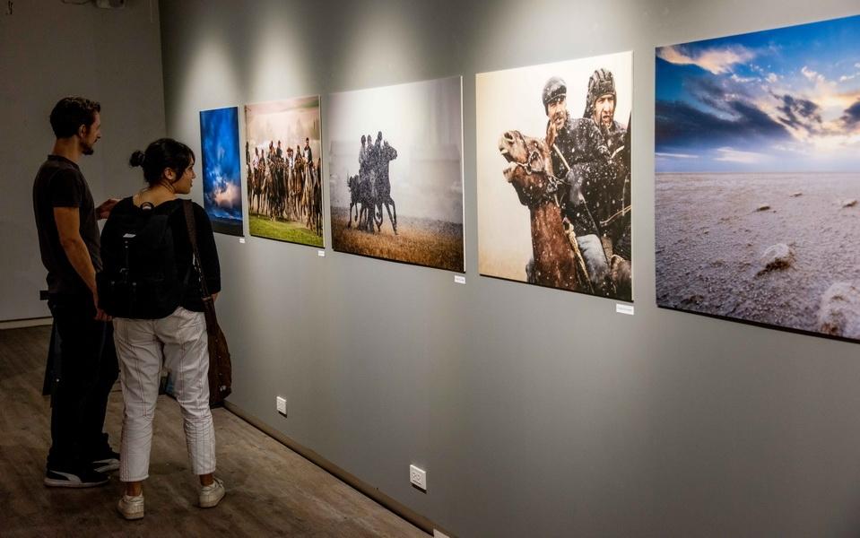 Узбекские фотографы на выставке в Бангкоке