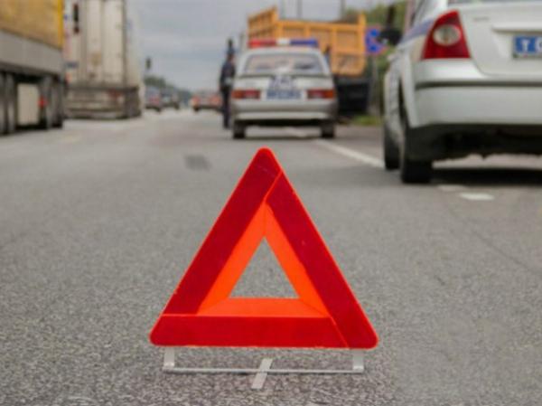 Четверо погибших: «Нексия» врезалась в автокран, работающий на трассе