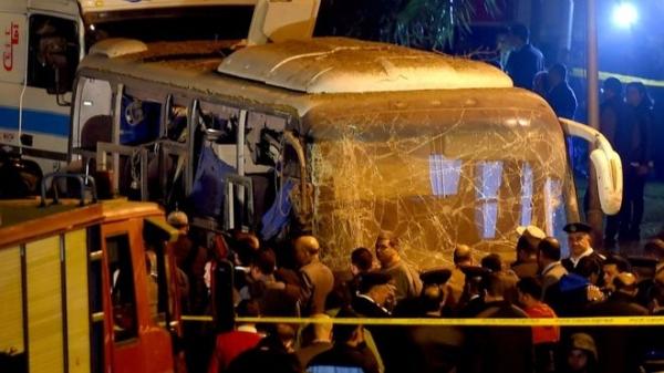 У пирамид Гизы в Египте подорван автобус с туристами, есть погибшие