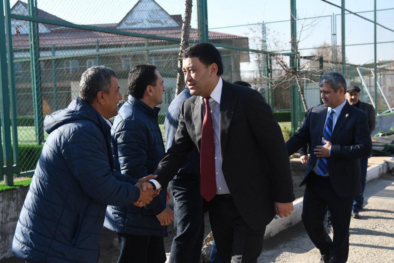 Президент НОК Узбекистана наградил спортсменов Бухары