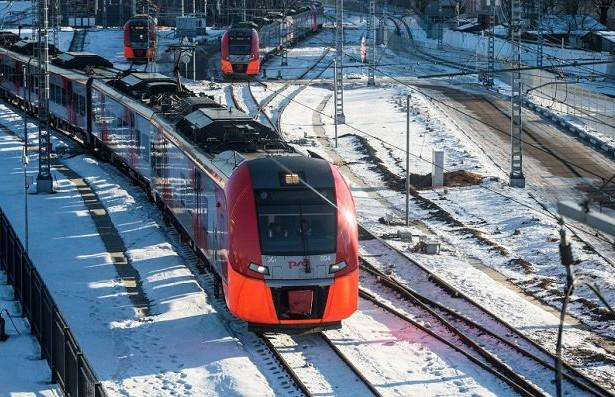 В Москве электричка насмерть сбила 45-летнего узбекистанца