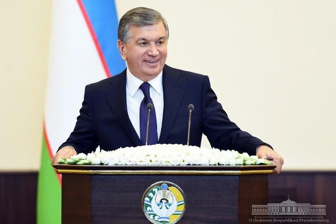 Президент Узбекистана поздравил военнослужащих с Днем защитников Родины