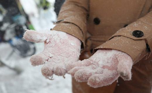 Пятеро граждан Узбекистана получили сильные обморожения, пытаясь незаконно пересечь границу Казахстана