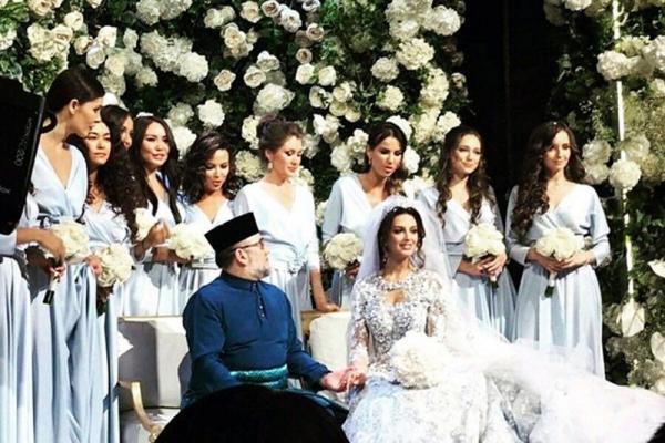 Король Малайзии отрекся от престола после женитьбы на русской красавице