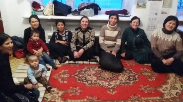 55 узбекистанцев, в том числе двое детей, эвакуированы из сломавшегося автобуса в Павлодарской области Казахстана