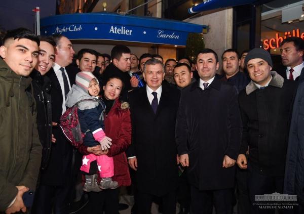 Шавкат Мирзиёев встретился в Мюнхене с узбекской молодёжью