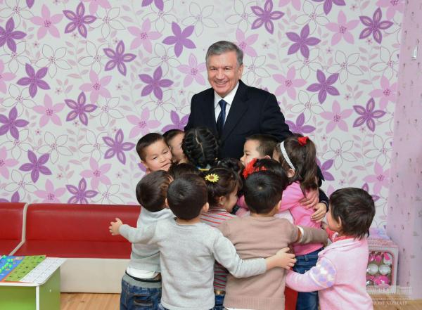 Шавкат Мирзиёев побывал в Мирзачульском районе Джизакской области