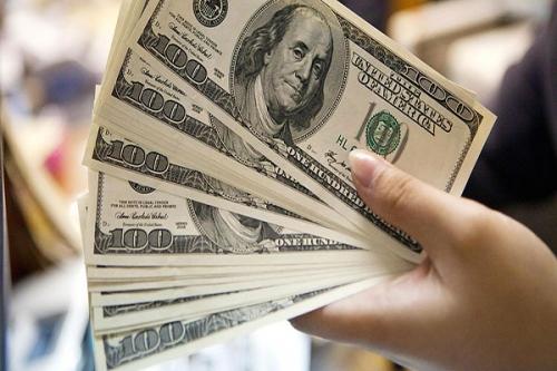 Свежие курсы валют от ЦБ: в новом году доллар начал расти