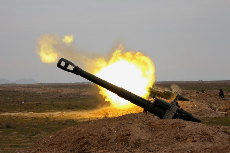 Артиллеристы ВС Узбекистана отрабатывают новые способы ведения огня (фото)