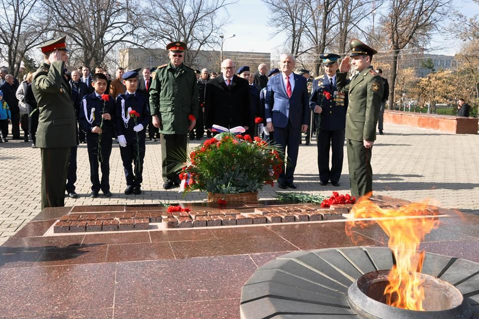 В Ташкенте прошла патриотическая акция в честь Дня защитника Отечества