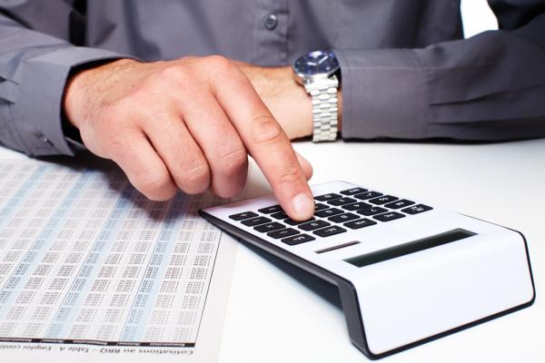 Налоговый комитет объяснил, почему налоги выплачивает только треть трудоспособных узбекистанцев