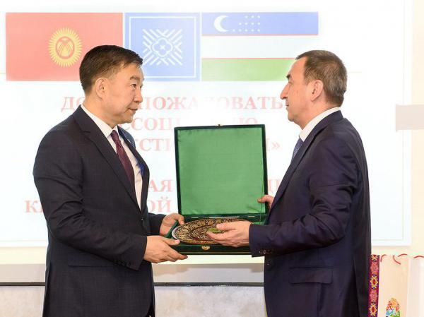 Узбекистан и Кыргызстан намерены организовать совместное производство текстиля для экспорта в третьи страны