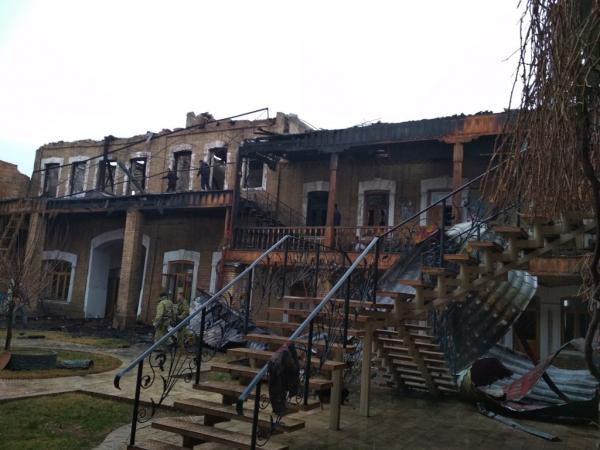 В Центре ремесленников Самарканда произошел пожар