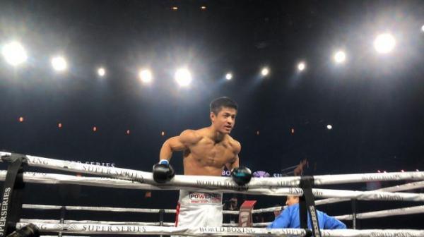 Трудный бой: Шохжахон Эргашев вышел на ринг против Майкла Фокса (видео)