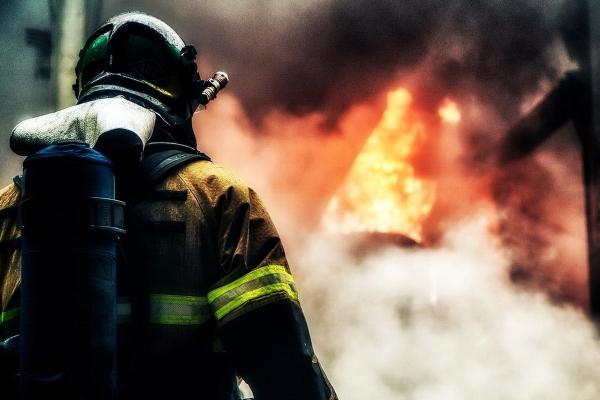 В Учтепинском районе столицы от пожара пострадали два дома