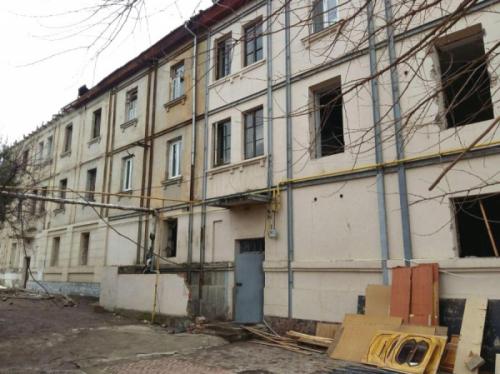 Прокуратура возбудила дело против инспектора хокимията, ответственного за расселение жильцов сносимого дома №78