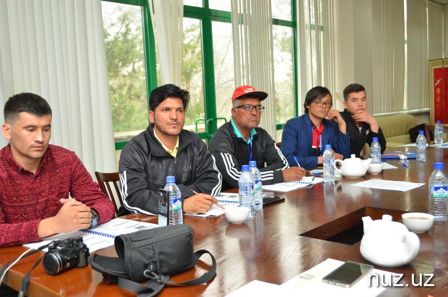 Гольфисты в ожидании старта UZBEKISTAN OPEN-2019