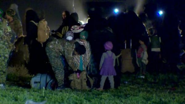 Хаос и боль: беженцы покидают последний оплот ИГИЛ