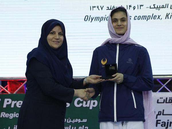 Таэквондистка Чарос Каюмова стала лучшей спортсменкой турнира в Иране