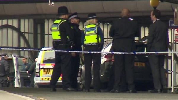 В Лондоне в двух аэропортах и на вокзале нашли взрывные устройства