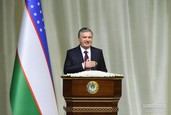 """""""Низкий поклон вам от всех мужчин Узбекистана!"""" - Шавкат Мирзиёев поздравил женщин страны с 8 марта (выступление)"""