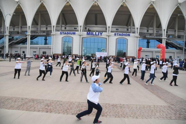 Министр здравоохранения возглавил марафон ходьбы, состоявшийся в республике