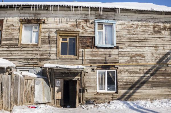 """""""Не заставляй нас собрать ружья"""": почему жители Якутска поднялись против мигрантов"""