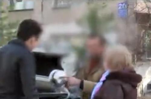 Жительница Ташкента рассказала, как мошенники вынудили её купить постельное бельё и посуду за 3 миллиона сумов (видео)