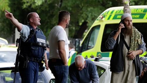 Атаки на мечети в Новой Зеландии: убиты 40 человек, стрелок вел прямую трансляцию