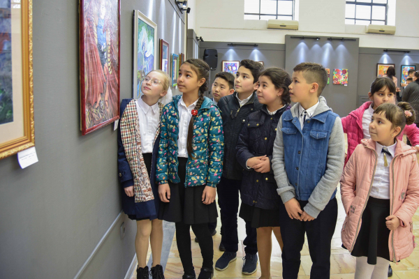 «Мы – таланты»: в столице проходит выставка детских рисунков