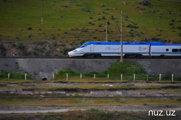 «Узбекистон темир йуллари» готовится купить ещё два поезда «Афросиаб»