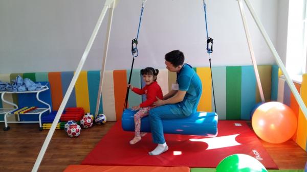 Счастье давать шанс: в Нукусе открылся уникальный реабилитационный центр «Имкон» для детей Приаралья (фото/видео)