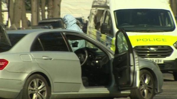 Неизвестный протаранил машину украинского посла в Лондоне. Полиция открыла огонь