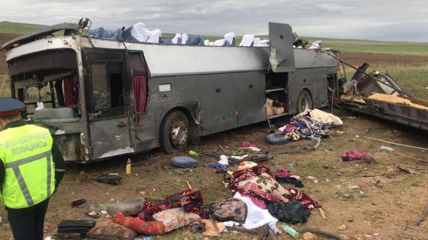 Трое узбекистанцев погибли в аварии на трассе «Шымкент-Алматы», ещё трое – в тяжелом состоянии