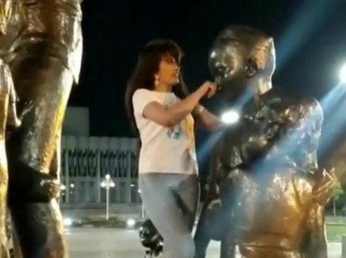 Реальный уят: в Ташкенте студентка поселфилась на памятнике семье Шамахмудовых (видео)