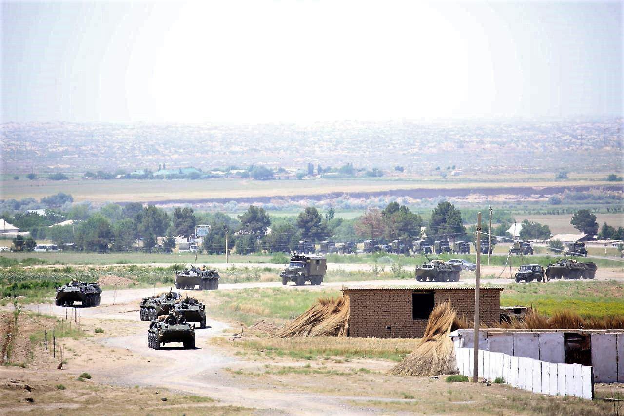 Войска на границе с Афганистаном подняты по тревоге