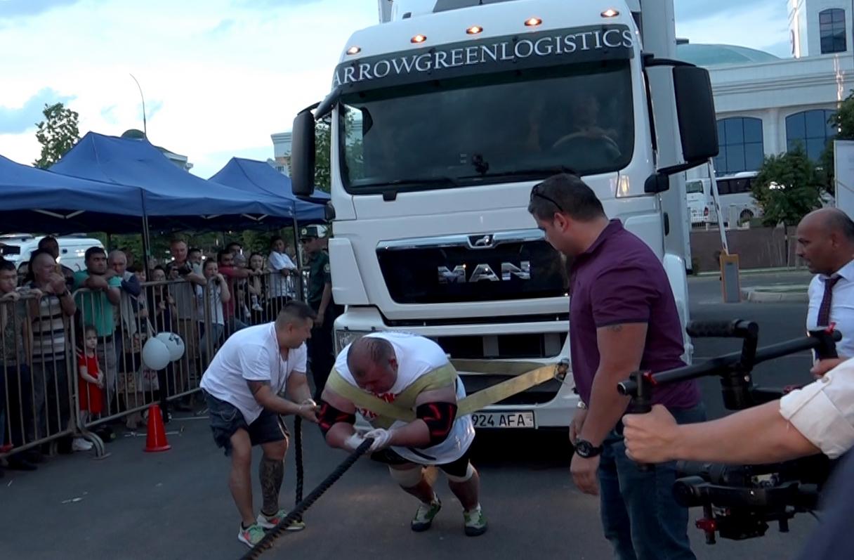 Самый сильный человек Узбекистана установил новый национальный рекорд (видео)