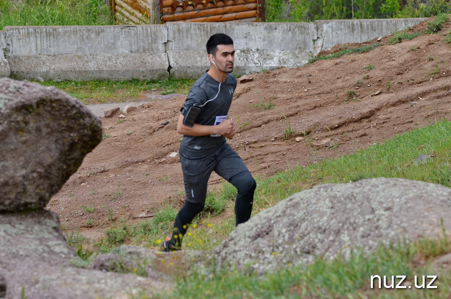 Ядовитые растения, резкие подъемы: в Ходжикенте прошли соревнования по скайраннингу