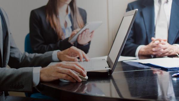 Начал работу сайт бесплатных юридических консультаций