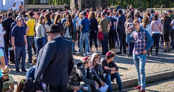 В польском Освенциме в День катастрофы прошел «Марш живых»