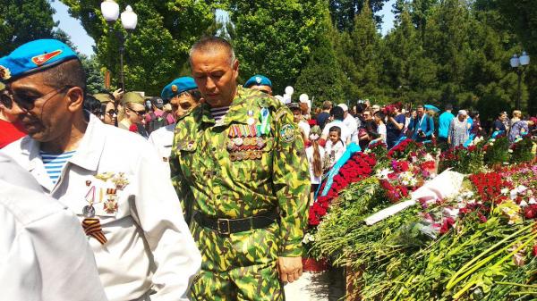 """В Ташкенте прошла акция """"Бессмертный полк"""""""