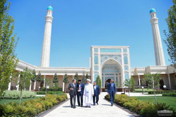 Открылась мечеть имени Шейха Мухаммада Садыка Мухаммада Юсуфа, строительство которой завершено по поручению Президента