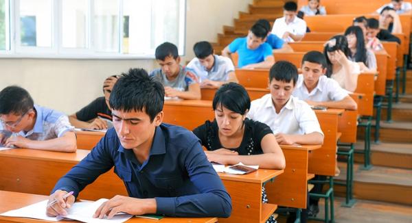 Стало известно, кто из абитуриентов получит максимальные баллы по иностранным языкам без сдачи экзаменов