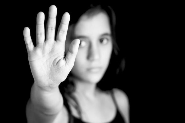 Предложены меры по защите женщин от притеснений и насилия