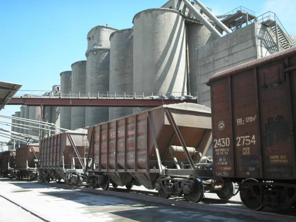 Узбекистан в октябре отменит таможенную льготу импортерам  цемента