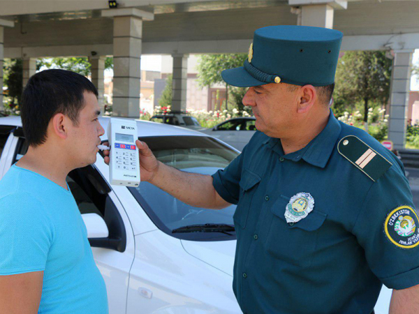 В Ташкенте УБДД начнет применять газоанализаторы, дымомеры и устройства для определения светопропускания стекол