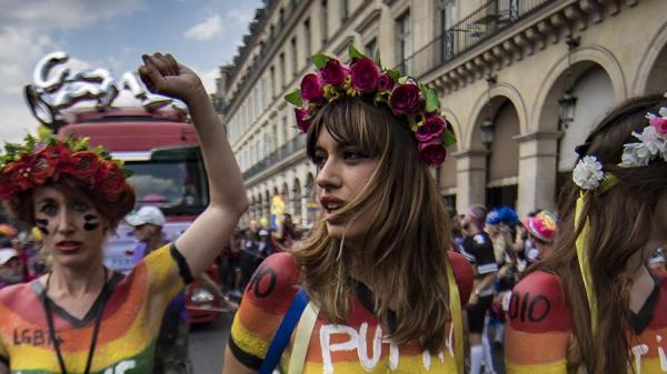 Le Figaro (Франция): «Остановите женоубийство» — новая акция «Фемен» в Париже