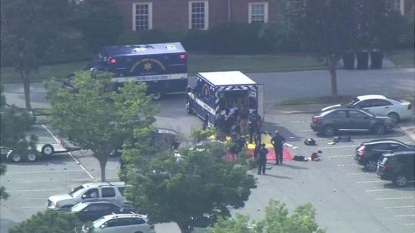 Госслужащий в США расстрелял 12 человек