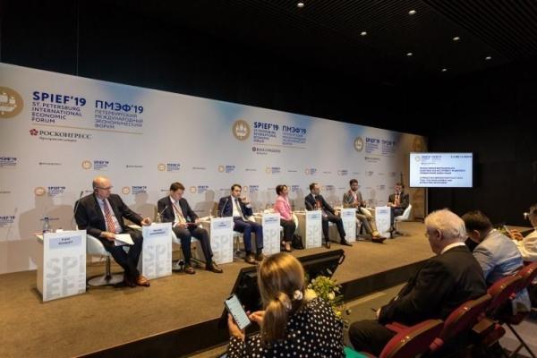 Ленобласть будет контролировать миграционный поток из Узбекистана